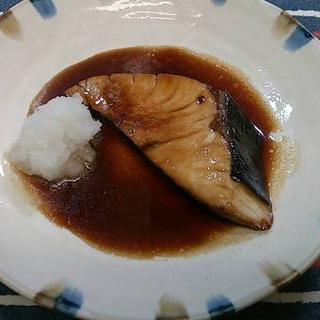 忙しいときにお勧め! 煮物の素でブリの照り焼き