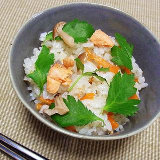 鮭とキノコの炊き込みご飯 〜白だし風味〜
