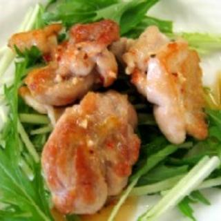 チキンソテー (ピリ辛味)
